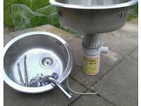 Sinks & waste disposal unit
