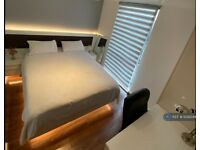 1 bedroom flat in Burgoyne House, Brentford, TW8 (1 bed) (#1029344)