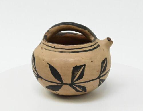 Antique Santo Domingo Pot with Handle