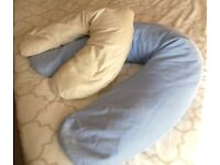Nursing / pregnancy pillows