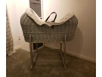 Lullaby Hearts Crossover Grey Moses Basket Pod, Greywith Claire de Lune Deluxe Rocking Stand