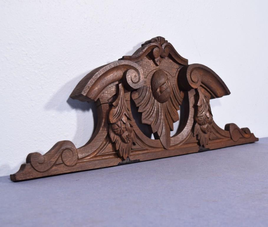 "*32"" French Antique Pediment/Crest in Oak Wood"