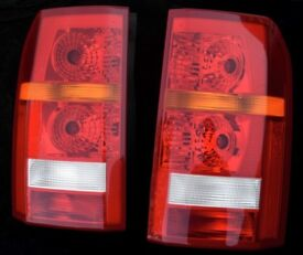 Landrover Discovery 3 rear Tail lights. Excellent condition with bulb.s