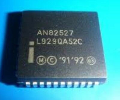 INTEL AS82527 QFP-44 SERIAL COMMUNICATIONS CONTROLLER