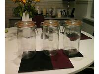 3 Le parfait preserve jars