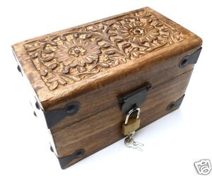 coffre en bois bo te en bois rectangulaire avec cadenas 20x12x13 cm ebay. Black Bedroom Furniture Sets. Home Design Ideas