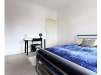 Double Bed in Rooms to rent in bright 6-bedroom house in Forest Gate in up-and-coming Newham