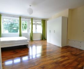 **3 BED FLAT TO RENT IN STRATFORD. STUDENTS/SHARERS WELCOME TO APPLY**