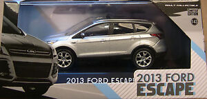 GREENLIGHT-COLLECTIBLES-1-43-SCALE-INGOT-SILVER-2013-FORD-ESCAPE