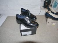 Leather brogue-style shoes by Sioux, model Dilara, black, size 6