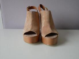 Carvella Kurt Geiger platform block heels nude size 3/36 NEW