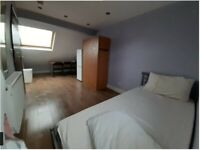 Ensuite room + loft area to Rent £155pw near Ilford Station... ALL BILLS INCL