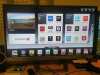 """LG 27"""" 3D smart TV boxed with glasses"""