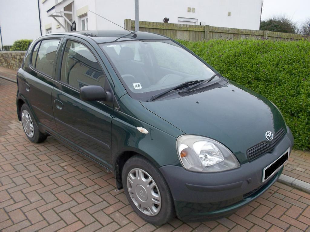 2001 Toyota Yaris Gs 1 0 Dark Green Small 5 Door Hatchback In Padstow Cornwall Gumtree