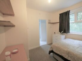 Double En-suite ( Only shower ) Room to let in Bournemouth 2.28MR5