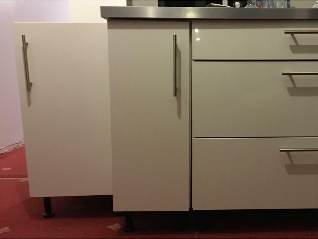 White Gloss Base Units 300 and 400