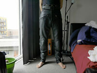 Held motorbike leather trousers - UK 32 - Perfect Condition