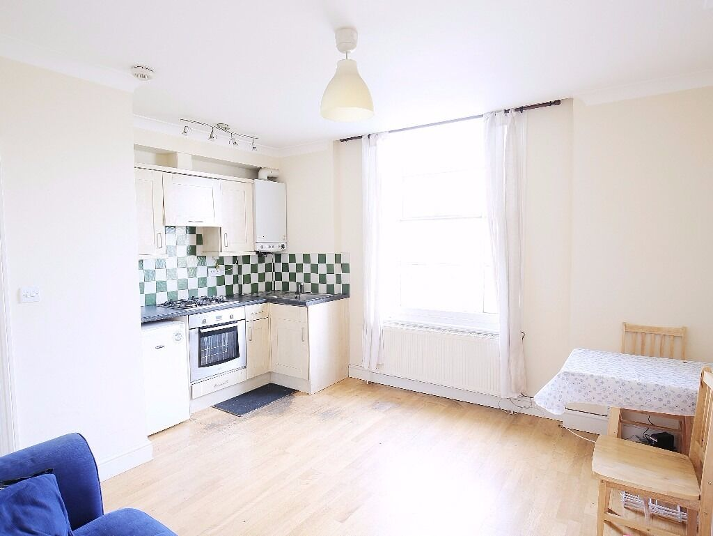 SPACIOUS 1 BED FLAT IN CAMDEN ROAD - 285 PW
