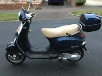 vespa 125cc moped motorbike automatic piaggio scooter great road legal motor bike not 50cc moped