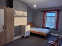 Room to rent, DG, CH, Furnished and near town Centre