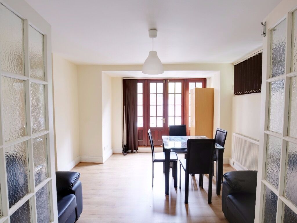 Spacious 2 bed garden flat available now - 400 PW