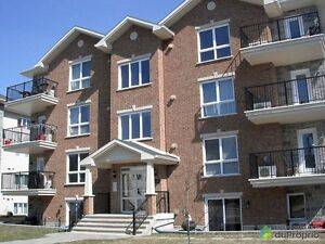 Room for Rent in Condo Vaudreuil