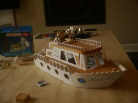 Sylvanian families pleasure boat sold with rowing boat and character