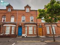 Spacious Three Bedroom apartment on Fitzroy Avenue - Available 20/03/2017 with a 6 month lease