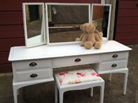 Stag Minstrel dressing table with stool and mirrors, hand painted distressed wax finish.