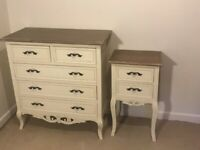 Country style chest of drawers & bedside table