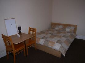 Spacious bedsitting room, Bournemouth - All bills included - NO DEPOSIT