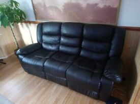 2&3 seater sofa in VGC 6months old
