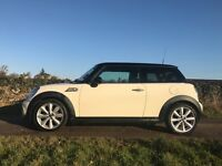 Mini Cooper D with Pepper pack, Half leather, Bluetooth & Cruise control...