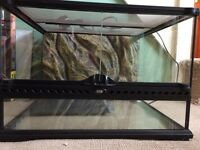 Exo Terra Vivarium (small/low) with heat mat and accesories