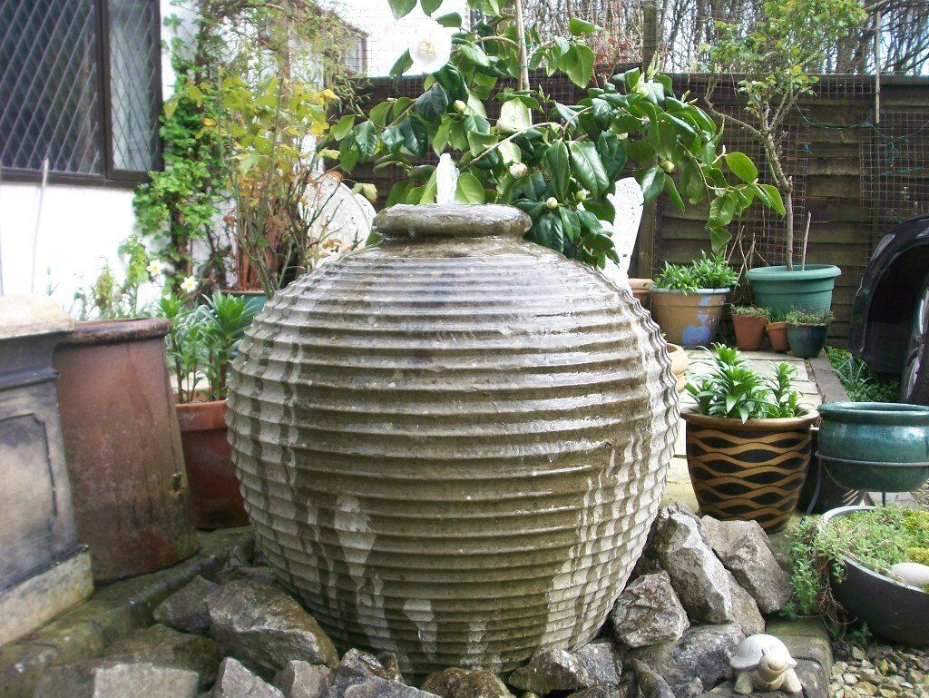 large garden urn water feature with hozelock pump fully. Black Bedroom Furniture Sets. Home Design Ideas