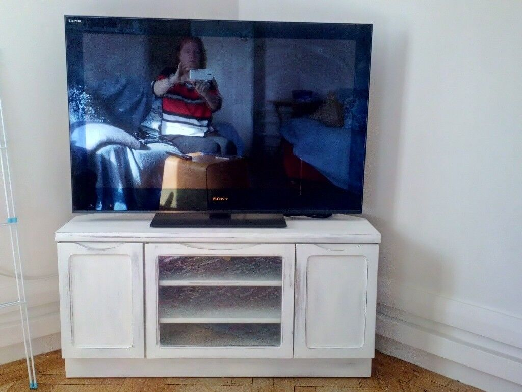 Tv Stand Shabby Chic White Wood Very Sturdy And On Trend In