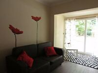 Single Bed in 2 Rooms For Rent in Luxury House With Garden near Chiswick Station, London