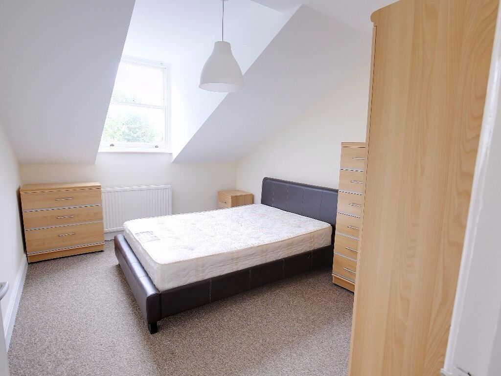 MASSIVE 3 BED CONVERSION FLAT IN HOLLOWAY - 500 PW