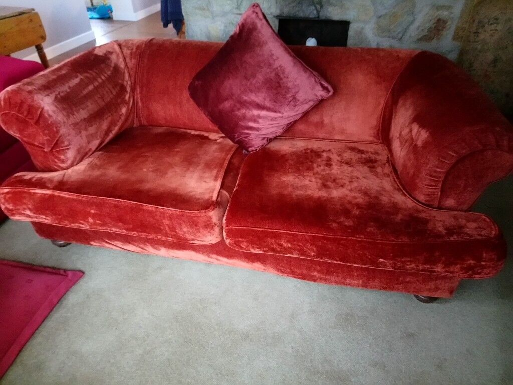 Sofa, Large 2 Seat Sofa, Very Good Condition.