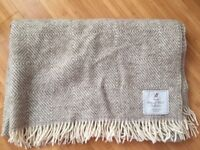 2x wool throw blankets, hardly used and dry cleaned