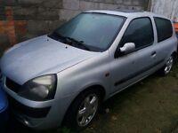 2001 Renault Clio (BREAKING)