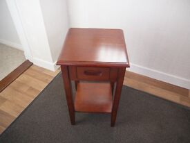 Lamp Table / Compact Bedside Table