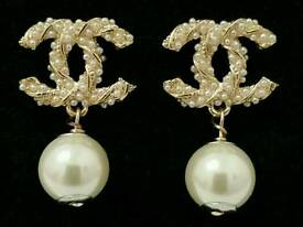 Stunning! Chanel gold & Pearl Drop earrings, with chanel authenticity button on back