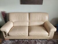 'Bardi' Leather Sofa Set & Armchairs - Cream - RRP £850