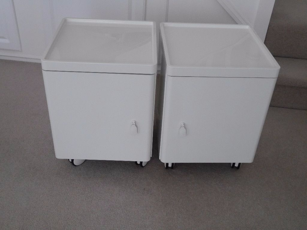 ikea high gloss white bedside tables excellent condition in