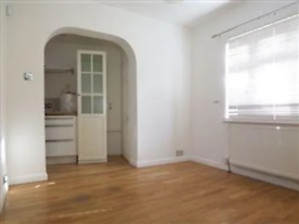 4 bedroom house in London NW3