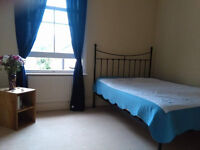 LARGE DOUBLE ROOM AVAILABLE IN WALTHAMSTOW LARGE GARDEN ALL BILLS INCLUDED FOR SINGLE PERSON OR TWO