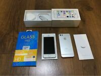 Apple IPhone 5s 16gb silver Immaculate condition. Factory unlocked fully boxed+Accessories+case
