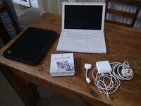 MacBook 13 inch early 2008, 4GB RAM, 160GB HD, white, good condition and battery life