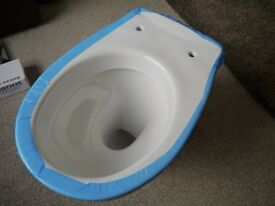 Roca Laura back to wall pan and soft close seat. New.